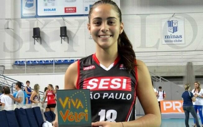 Ainda na ala das novatas, Juliana é uma das  líberos do Sesi e atuou como titular nas quartas  de final