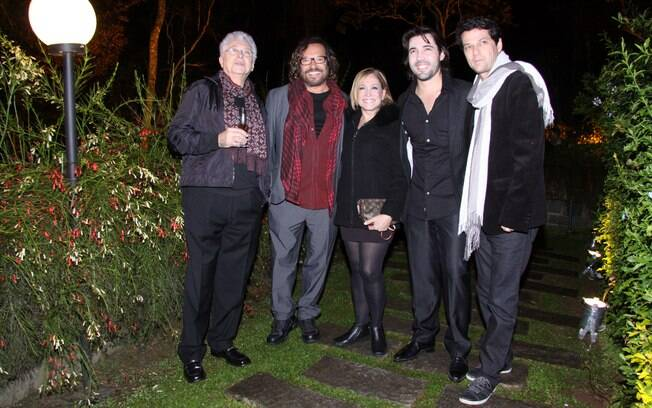 Aguinaldo Silva, Wolf Maya, Susana Vieira, Sandro Pedroso e Marcelo Serrado em Itaipava