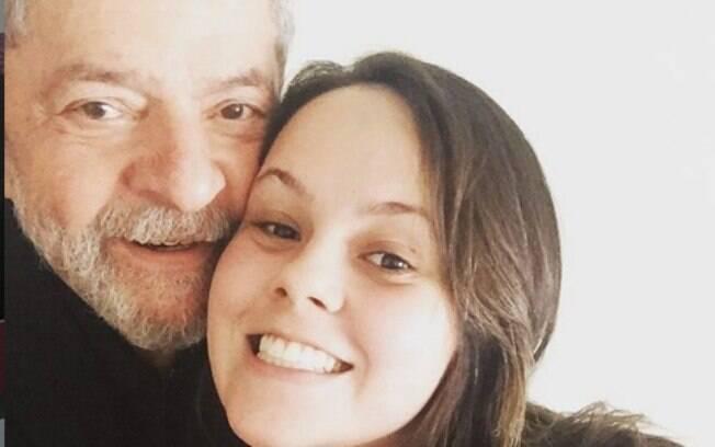 Bia Lula, neta do ex-presidente Lula, diz em carta que sua filha sente muita falta do avô
