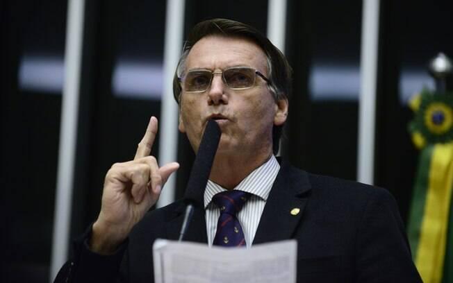 Jair Bolsonaro (PP-RJ) enalteceu torturadores em voto a favor do impeachment de Dilma Rousseff