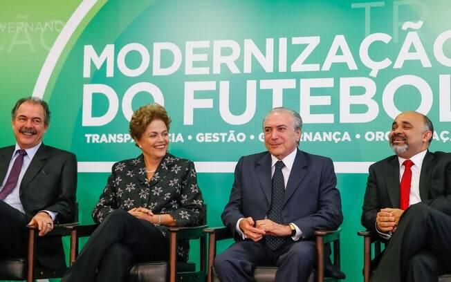 A presidente Dilma Rousseff inicia nova fase na comunicação com foco na melhoria da articulação política. Ela participou hoje do anúncio de Medidas de Modernização do Futebol, em Brasília