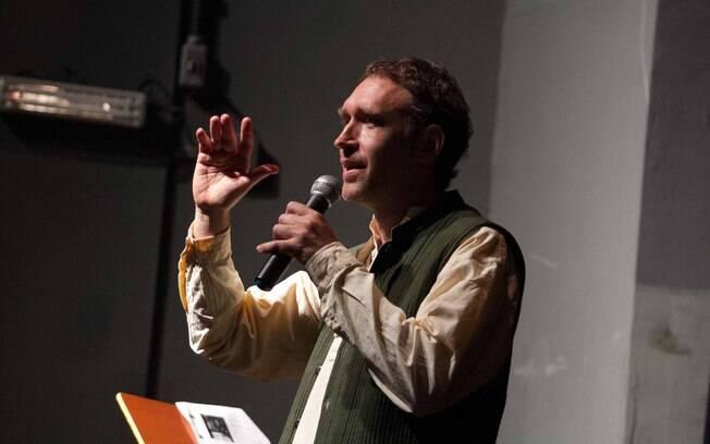Roman Krznaric durante palestra em São Paulo: trabalho e felicidade podem andar juntos. Mas é preciso correr riscos