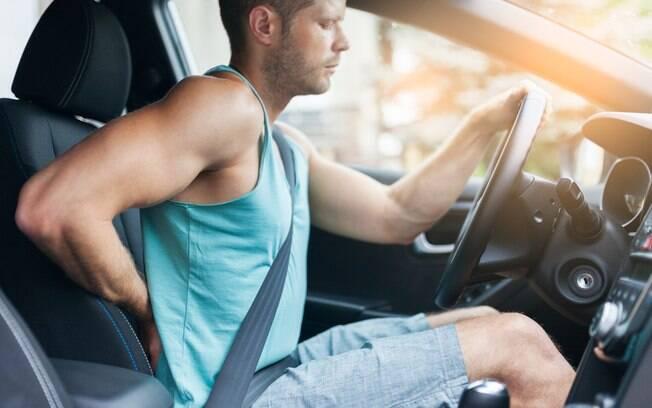 Dirigir com saúde requer uma atividades físicas com frequência e a adoção de uma postura correta atrás do volante