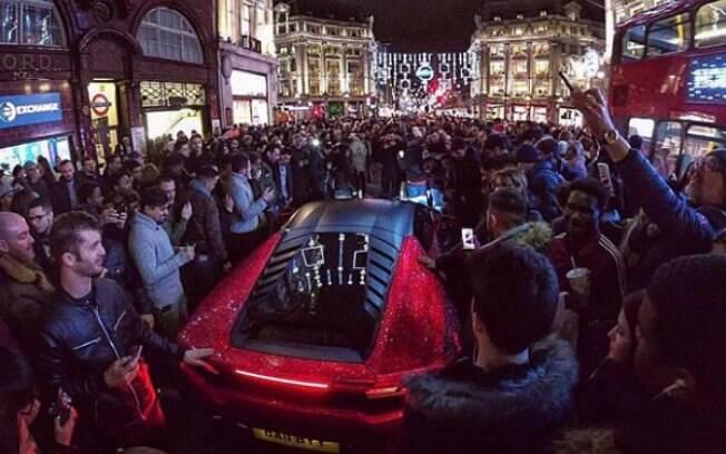 Lamborghini Huracán Swarovski: o carro da milionária russo parou o trânsito de Londres durante o Natal do ano passado