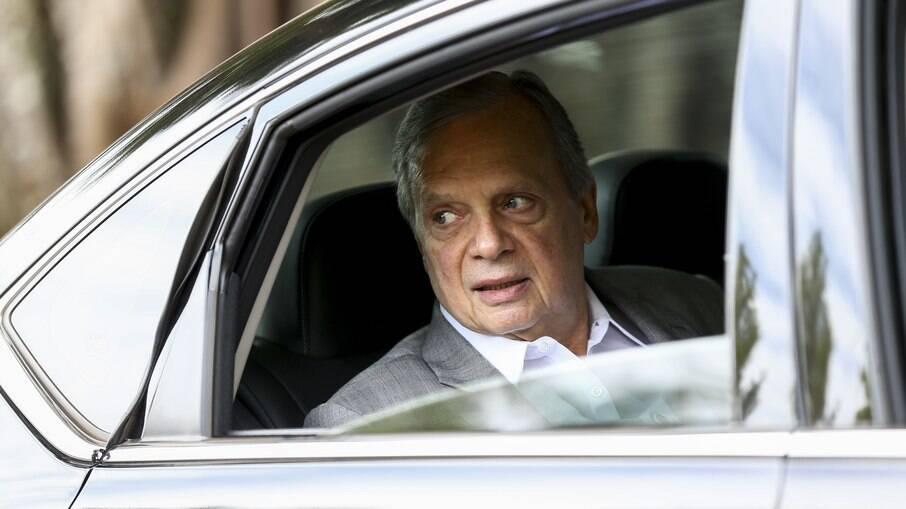 Senador reforça aliança de Leite na disputa contra Doria