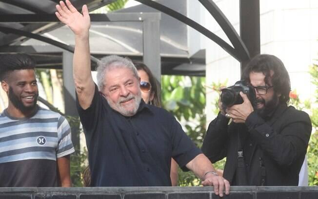 Promotor diz que houve tentativa de Lula em esconder a identidade do verdadeiro dono do tríplex
