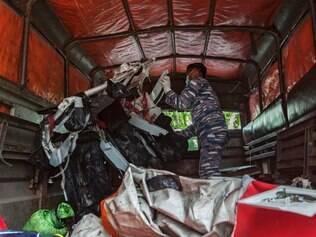 Autoridades indonésias indicaram anteriormente que cinco grandes partes da aeronave haviam sido recuperadas