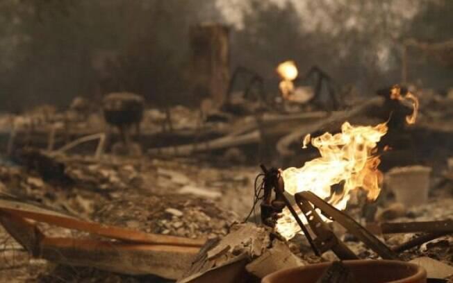 Norte da Califórnia sofre com queimadas; 31 pessoas já morreram e polícia relata desaparecidos
