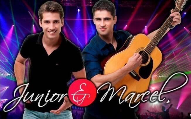 Os irmãos Junior & Marcel começaram a cantar juntos em 2008, seguindo o conselho do músico Frank Aguiar