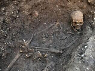 Esqueleto enterrado em estacionamento em Leincester era do rei Ricardo III