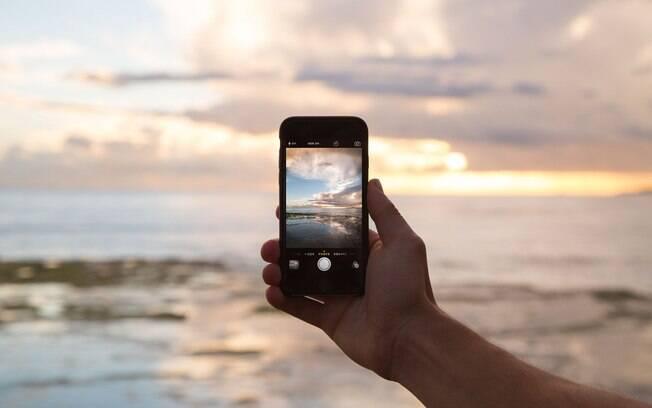 Uma busca rápida no Pinterest com o nome do destino para onde você vai, pode garantir várias ideias para repetir em suas fotografias.
