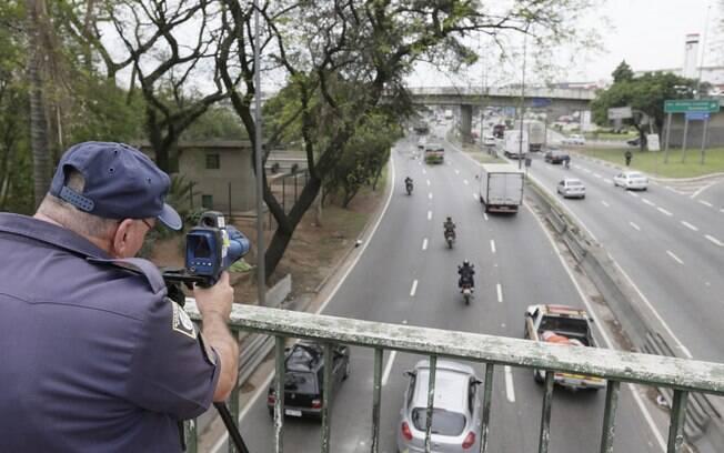 A partir desta quarta-feira (1º), os motoristas que freiam apenas no radar passarão a ser fiscalizados em São Paulo