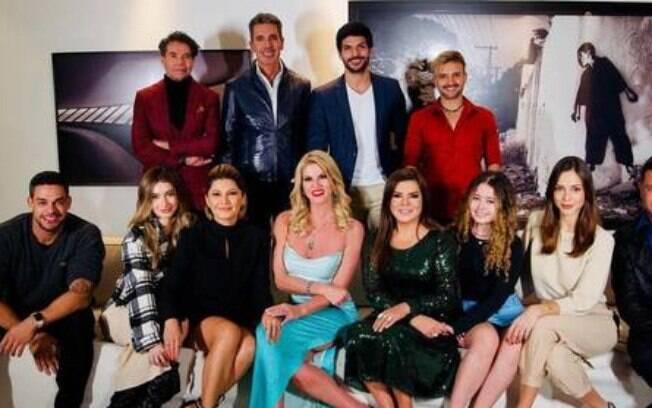 Val Marchiori reúne famosos com festa em meio à pandemia