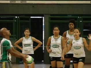 ESPORTES - CONTAGEM MG - BRASIL - 8.12.2014 - Projeto SADA feminino, em Contagem MG. Foto: Douglas Magno / O Tempo