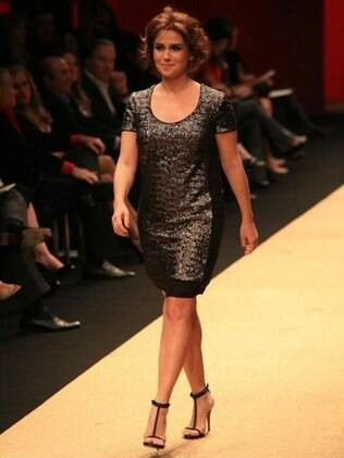 Giovanna Antonelli na passarela do Hair Fashion Show