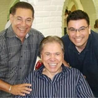 Silvio Santos ao lado de Jassa e o filho