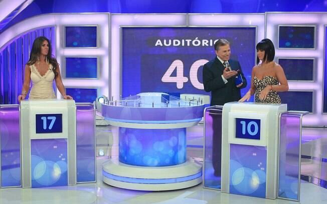 Nicole Bahls e Valentina Francavilla participam do programa de Silvio Santos
