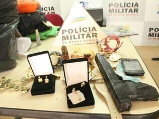 Material roubado foi recuperado pela Polícia Militar