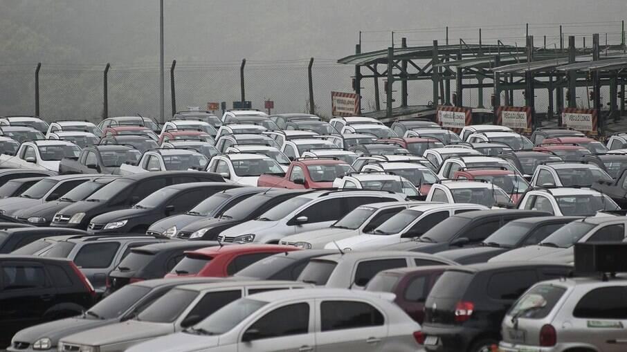 Estoque fechou janeiro com carros suficientes para 18 dias de vendas, conforme informações da Anfavea