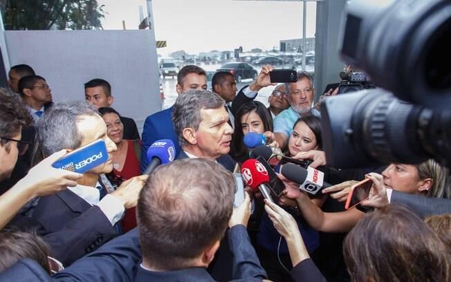 Diretor-geral da Usina Hidrelétrica de Itaipu no Brasil, o general Joaquim Silva e Luna