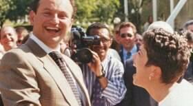 Sandra Annenberg pede Ernesto Paglia em casamento