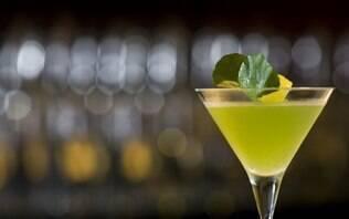 Martini com saquê e agrião