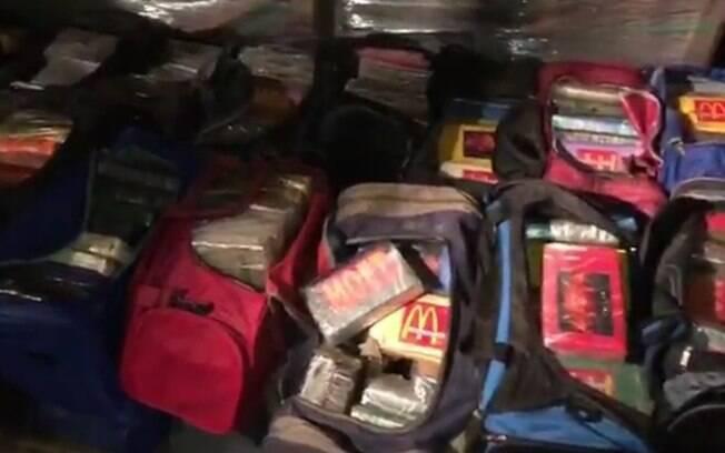 Uma tonelada e meia de cocaína pura foi apreendida no Rio de Janeiro na noite desta quinta-feira