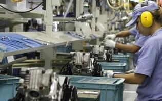 Indústria cortou 1,1 mi de vagas e reduziu salários em 14,7% entre 2014 e 2017