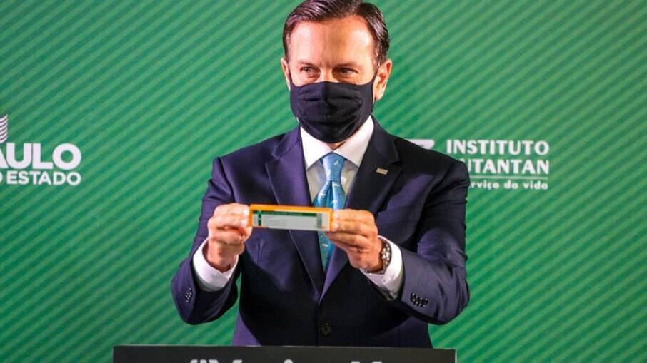 Fábrica que permitirá transferência de tecnologia para produção 100% nacional deve ser concluída em outubro, segundo João Doria