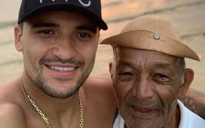 Victor Luis, do Palmeiras, pede ajuda para encontrar o seu avô, que desapareceu em SP
