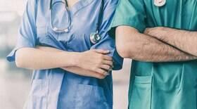 Enfermeira é absolvida ao ser acusada de matar dezenas