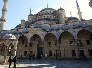 A Mesquita Azul fica fechada nos horários das rezas islâmicas