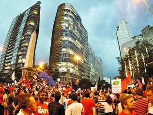Percurso. O protesto começou na praça Afonso Arinos e se estendeu até a praça Sete, onde o ato foi concluído no início da noite