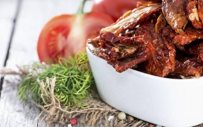 Tomate seco: são 800 calorias a cada 100 gramas