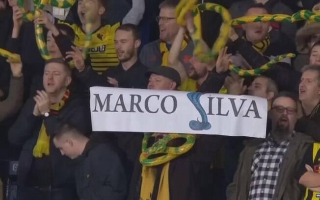 Torcedores do Watford fazem protesto contra o ex-treinador da equipe, Marco Silva