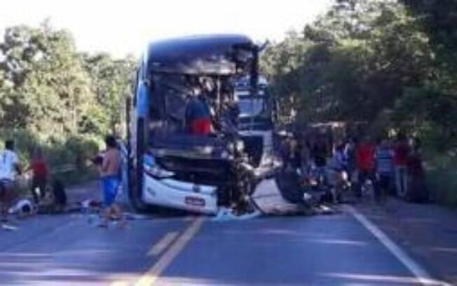 Acidente ocorreu na manhã desta quinta-feira (15), por volta das 8h30, na BR-020, em Formosa, Goiás