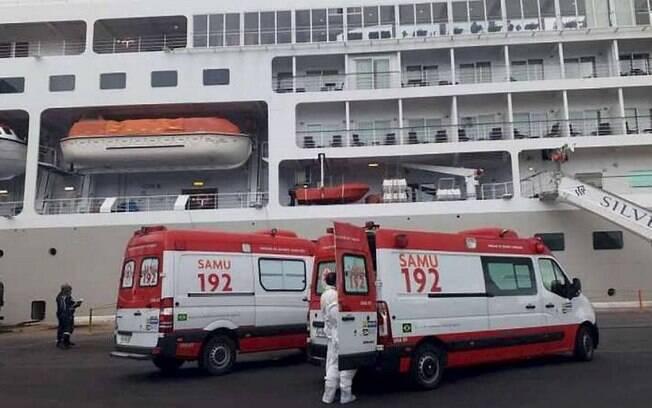 Cruzeiro está isolado no porto do Recife
