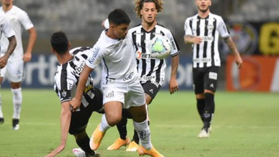 Atlético-MG recebe o Santos pelo Campeonato Brasileiro