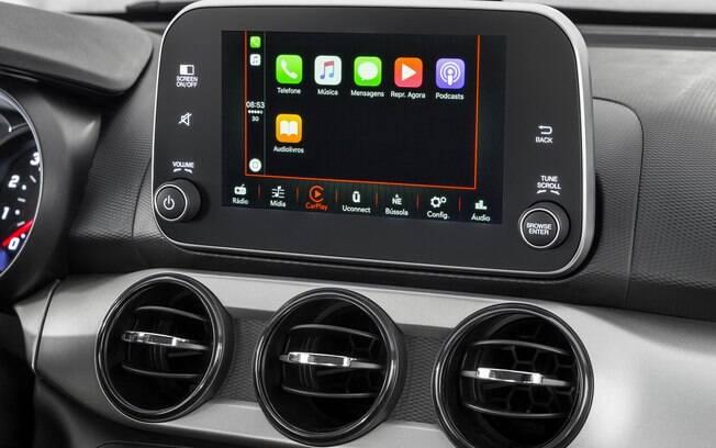 A central multimídia com tela de alta resolução, de 7 polegadas e sensível ao toque é um dos destaques do carro