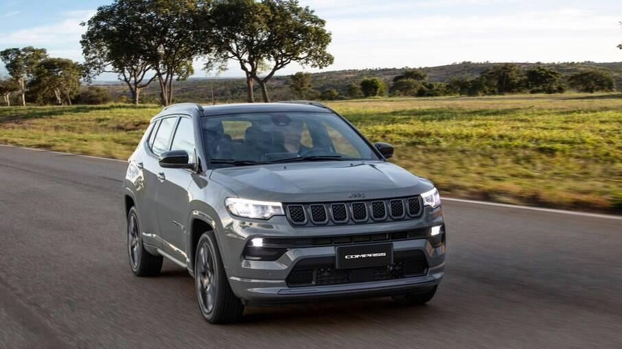 Jeep Compass S 2022: versão agora passa a estar disponível apenas com o novo motor turbo flex, de até 185 cv