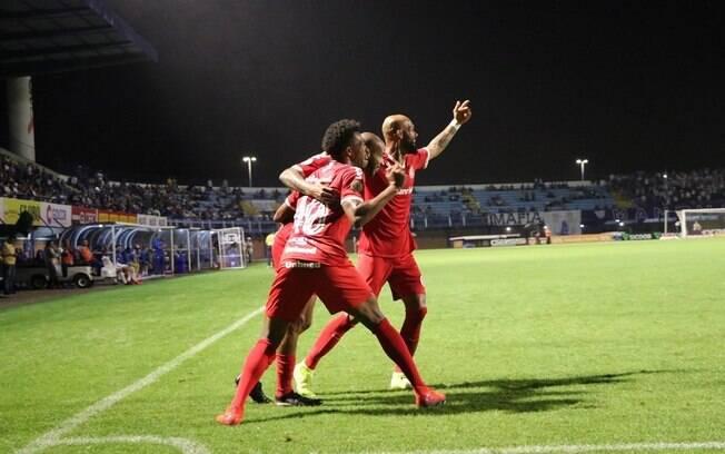 Inter vence Avaí em Santa Catarina