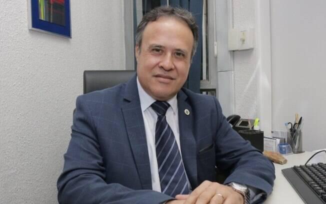 Com covid, vereador professor Alberto, de Campinas, é transferido para UTI