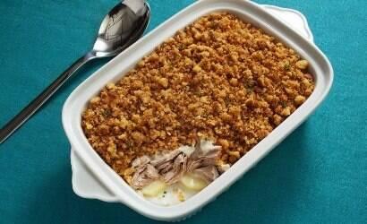 Aprenda a receita de atum ao forno com crosta de broa