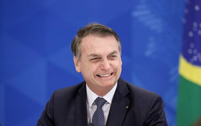 Em evento na cidade de Santa Maria (RS), Bolsonaro defende armamento da população para evitar abuso de governantes