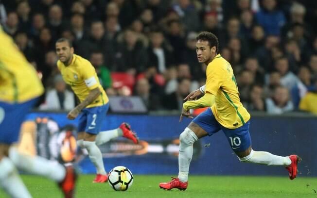 Neymar passou por cirurgia bem-sucedida em Belo Horizonte e recuperação é iniciada