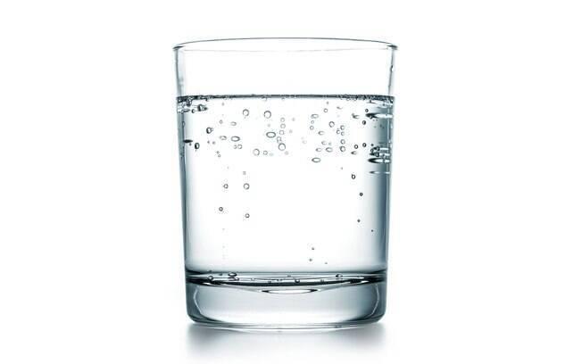 A água gaseificada contém substâncias que colaboram para o aumento do apetite