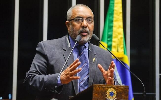 O senador petista Paulo Paim defende a volta das aposentadorias especiais por categorias de trabalhadores em caso de atividades de risco à saúde