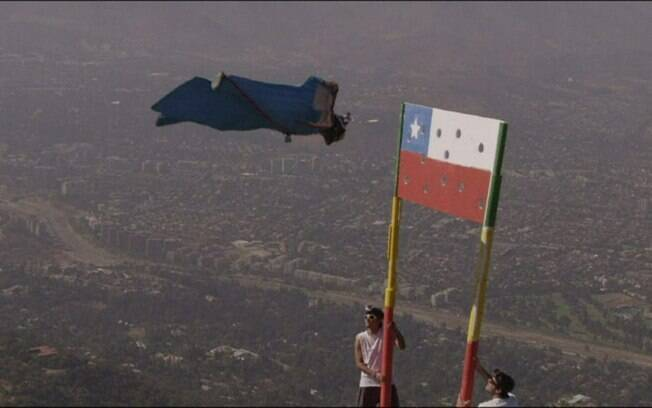 Usando um wingsuit – espécie de