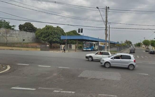 Idoso é atropelado próximo ao terminal de ônibus da Vila União