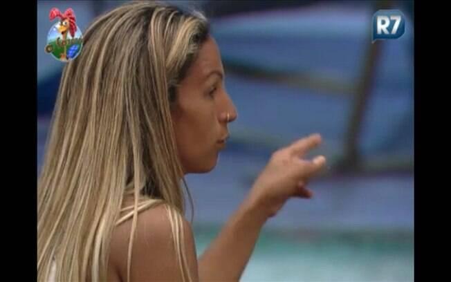 Valesca conversa com Joana na varanda